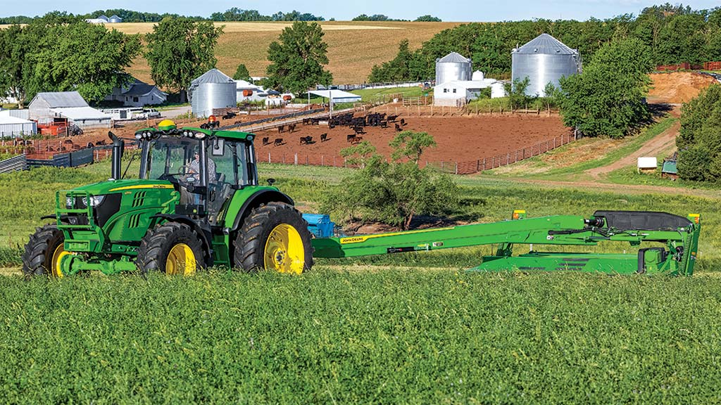 c400-increased-tractor-compatibility-feature-r4g067520-1024x576